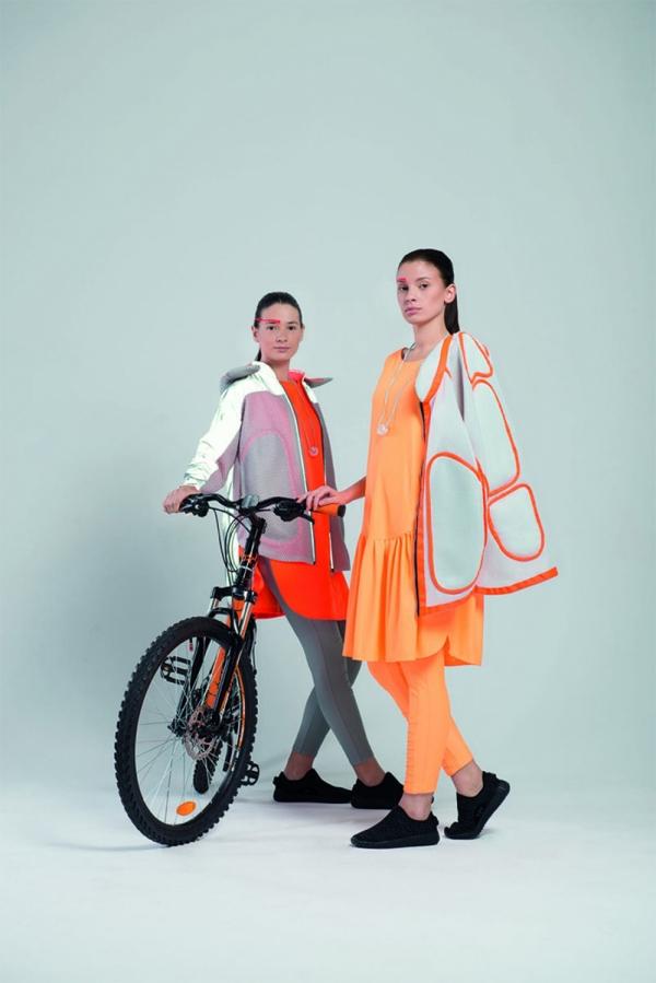 Коллекция молодежной одежды для велопрогулок